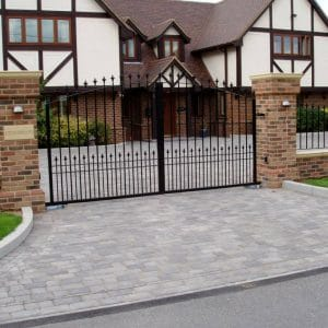 Beautiful entrance gates in Harpenden