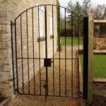 Side Metal Gates